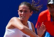 WTA Estoril: Roberta Vinci vola in semifinale. Superata la Petrova in tre set. L'azzurra nel terzo parziale è stata sotto per 0 a 3 (con due break)