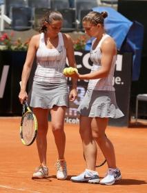 Roberta Vinci e Sara Errani, prime giocatrici della classifica mondiale di doppio.