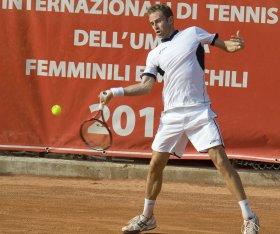 Filippo Volandri ha raggiunto la finale a Bucharest nel 2004, quando venne sconfitto da Acasuso.