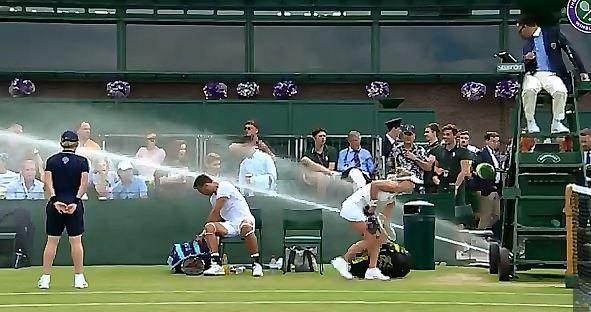 Wimbledon: Arriva la pioggia ma per errore (VIDEO)