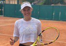 Caroline Wozniacki riprende una racchetta in mano dopo sei mesi (Video)
