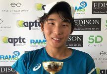 Morto per un malore in campo giovane speranza del tennis australiano Kent Yamazaki