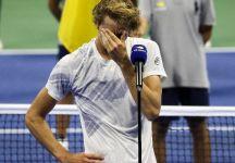 Le lacrime di Alexander Zverev mentre ricorda i genitori rimasti a casa (Video)
